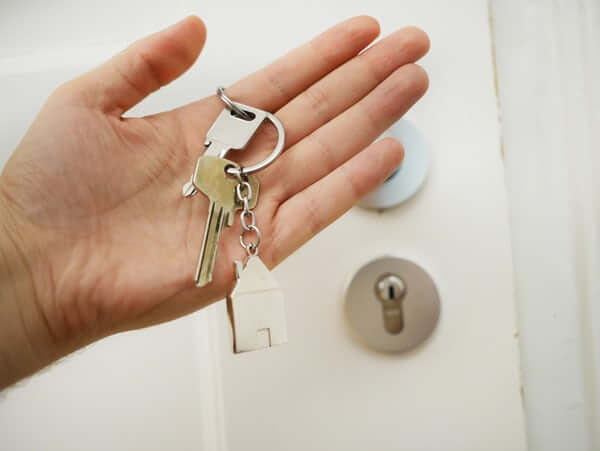 How to Choose the Right Estate Agent When Buying a Property in London